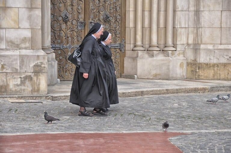 nuns-superstition-poland