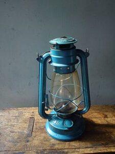 256px-Kerosine_lamp