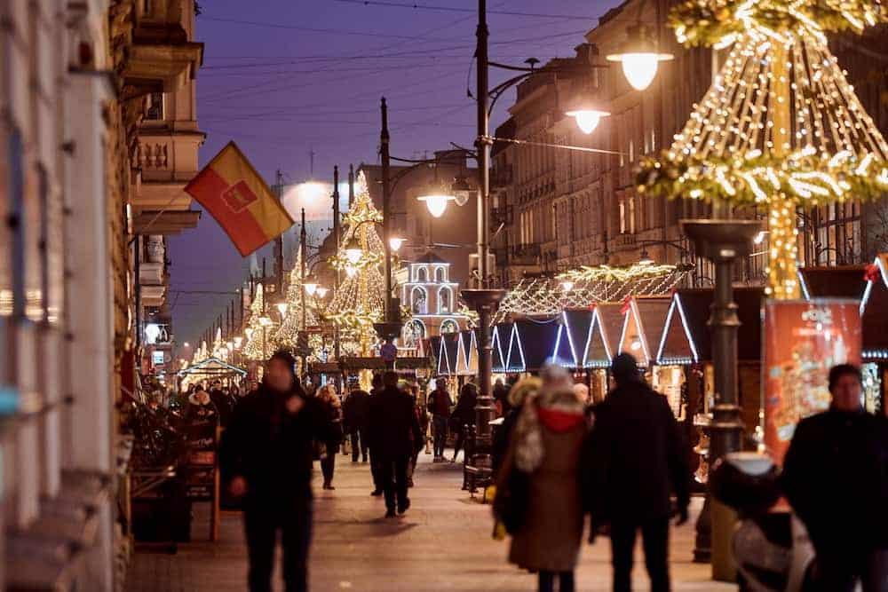 piotrkowska-christmas-street-min