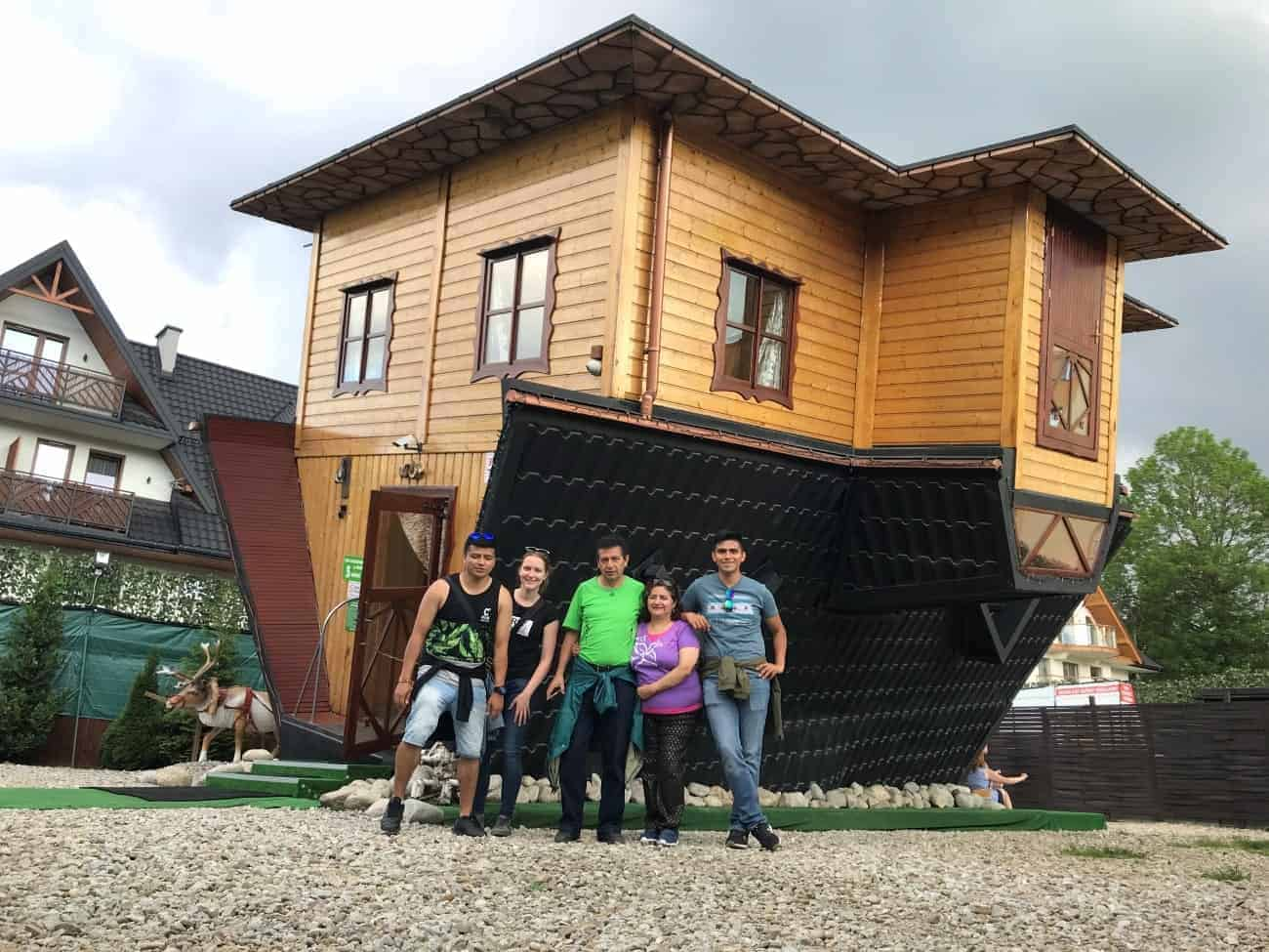upside-down-house-zakopane-min