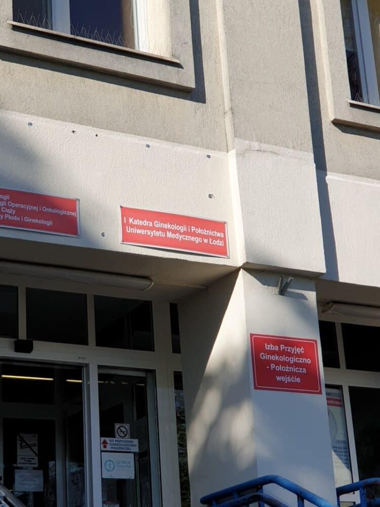 hospital-entrance-lodz